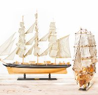 Schiffsmodell Rennyacht Sportboot Holz Segelschiff Segler 42cm hoch