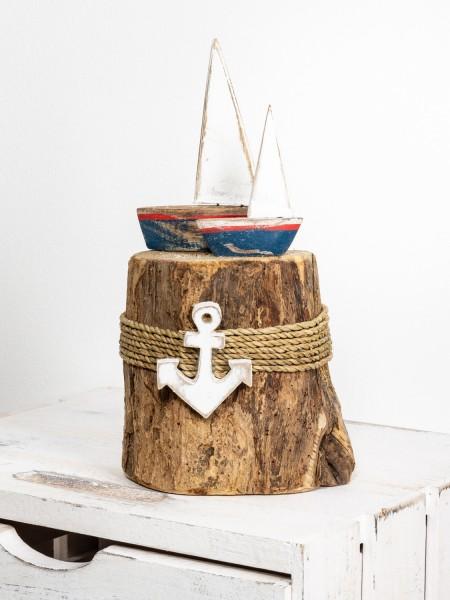 Segelboote klein Baumstumpf