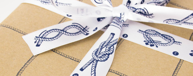 Geschenkpapier, Bänder