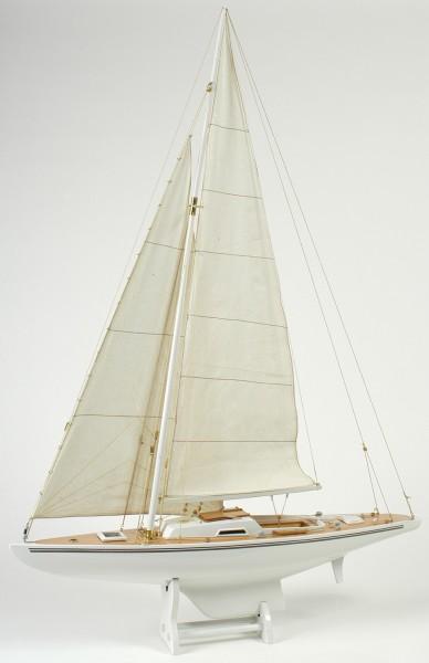 Segelboot Modell weiß