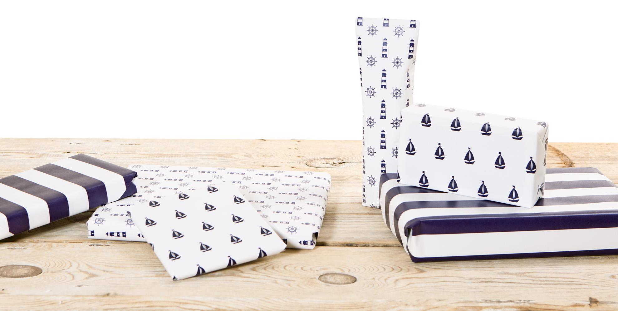 geschenkpapier blau wei online kaufen mare me maritime dekoration geschenke. Black Bedroom Furniture Sets. Home Design Ideas
