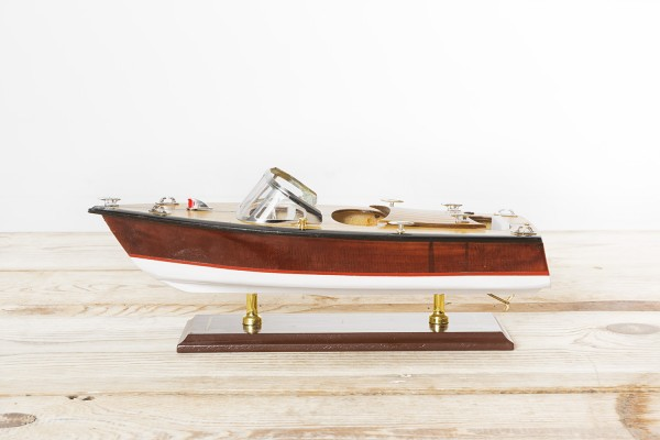 Modell italienisches Sportboot 35cm