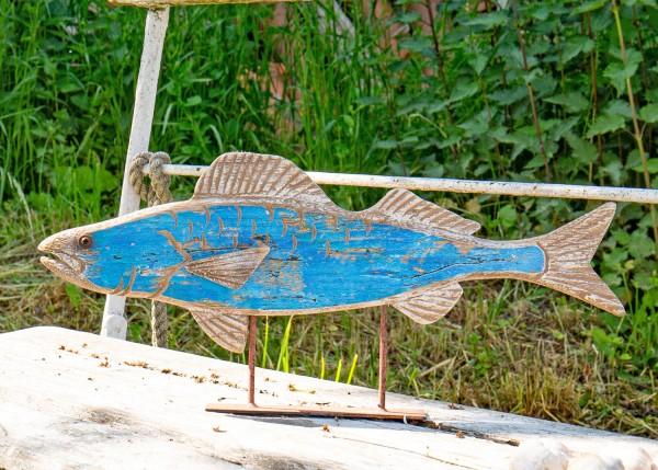 Blauer Deko Holzfisch