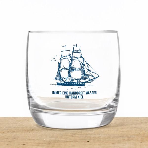 Schnapsglas Wasser unterm Kiel