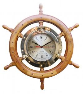 Uhr im Bullauge/ Steuerrad
